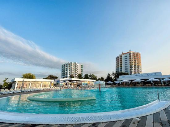 Resort MERA