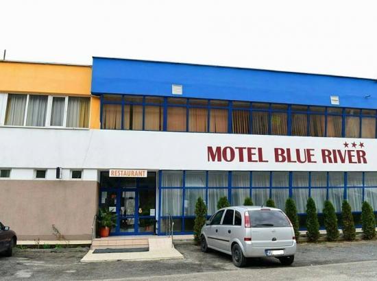 Motel Blue River