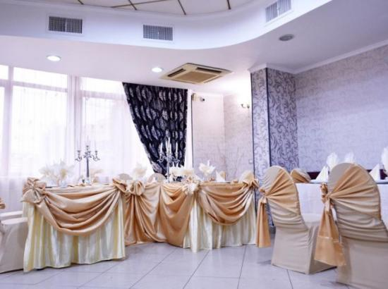 Pensiunea - Restaurant Nicolas