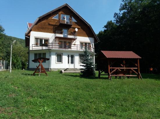 Cabana Berzovița