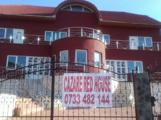 Pensiunea Red House