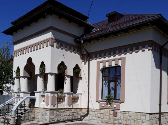 Casa La Conac din Targu Ocna