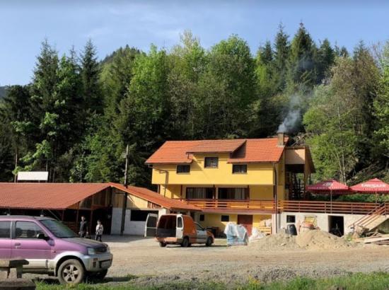 Camere de inchiriat Pastravaria Colibita