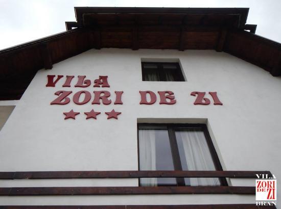 Vila Zori de Zi