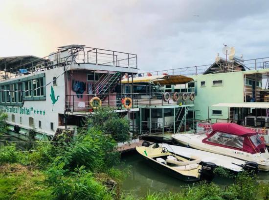 Hotel plutitor Steaua Deltei